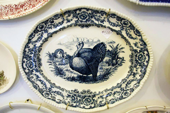 Bleu Floue style turkey platter, Turkey Platter Museum, Red Pipe Gallery | Photo: Anne Marie Rousseau.