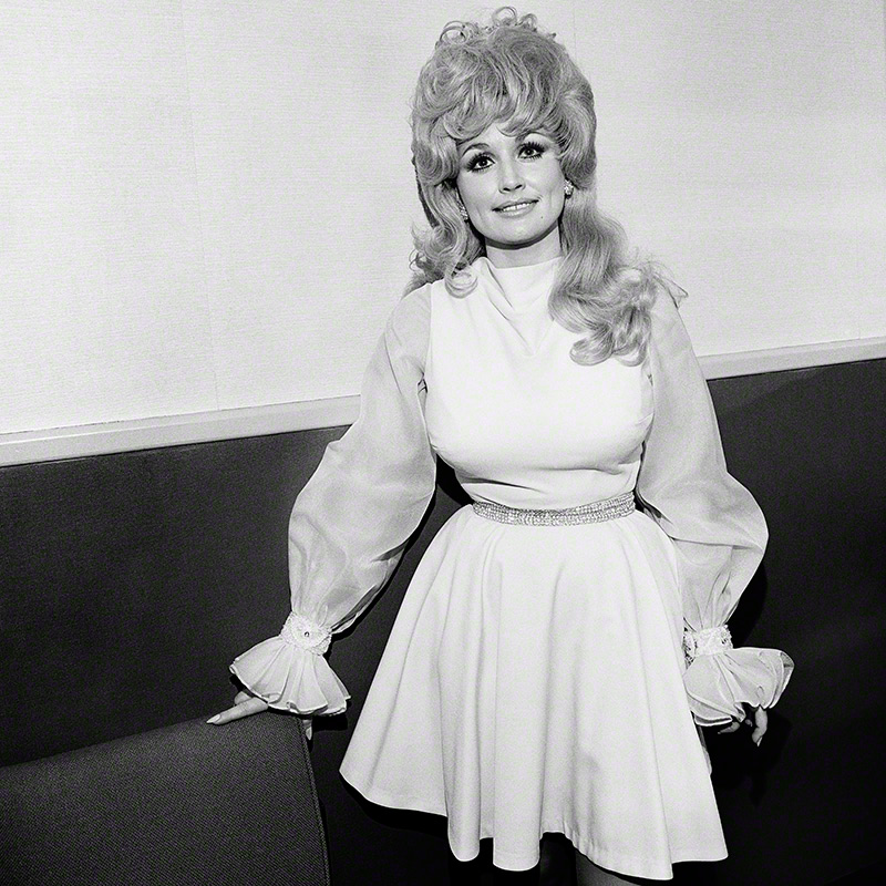 Dolly Parton, Symphony Hall, Boston, MA, 1972 © Henry Horenstein