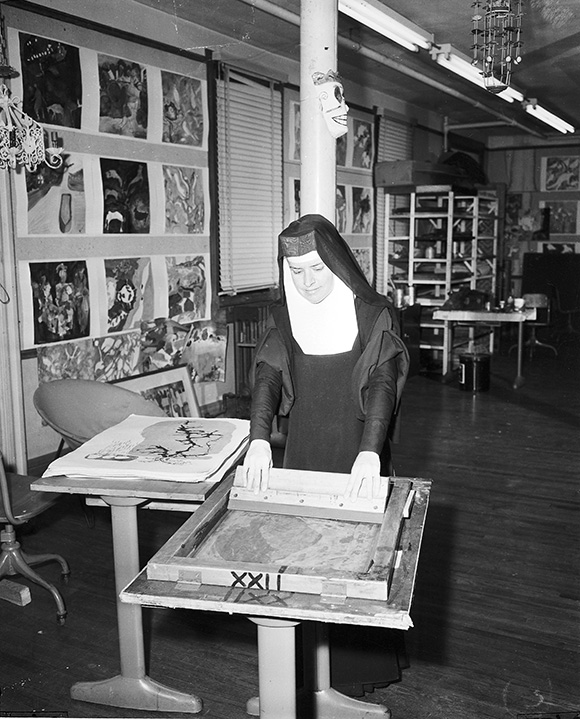 Corita, Immaculate Heart College Art Department, Los Angeles, 1957. | Courtesy of the Corita Art Center, Los Angeles.