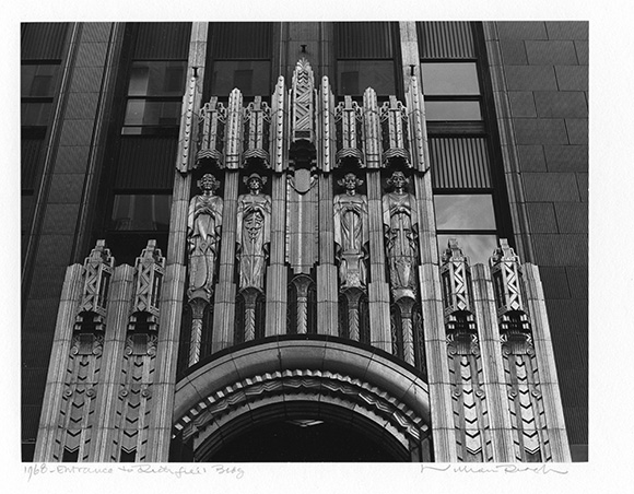 Entrance to Richfield Bldg., 1968 | Photo: William Reagh.