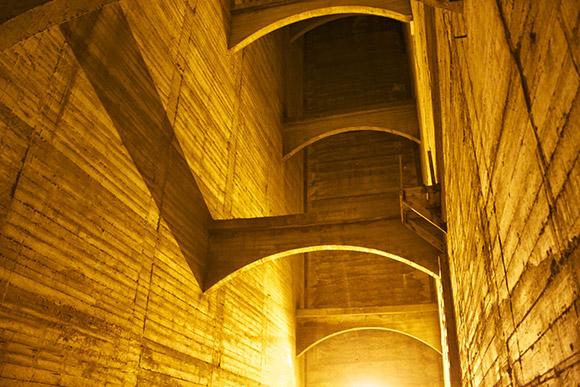 Inside the Dam | Photo: Henderson Blumer