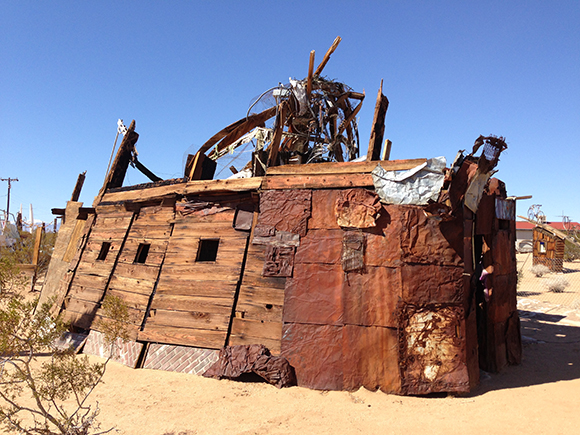 Outdoor Desert Art Museum of Assemblage Sculpture | Photo: Juan Devis.