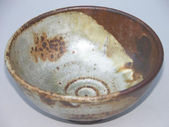 Japanese Tea Bowl (2010) by Julie Bagish, glazed stoneware.
