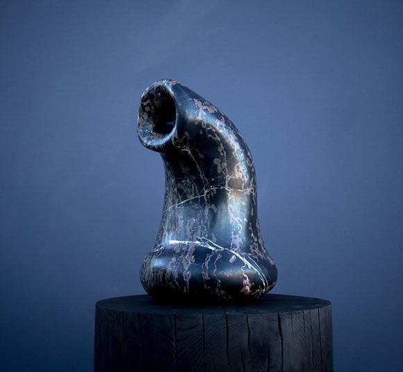 "Alma Allen (b. 1970), ""Untitled,"" 2013. Marble sculpture on an oak base, 25 × 20 × 14 in. (63.5 × 50.8 × 35.6 cm). Collection of the artist. | © Alma Allen"
