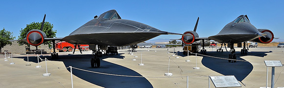 Blackbird, a plane that can fly from Los Angeles to Washington D.C. in one hour | Charles Hood