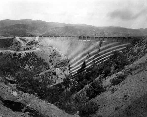 St. Francis Dam beginning to leak. | Courtesy of the Los Angeles Public Library photo collection.
