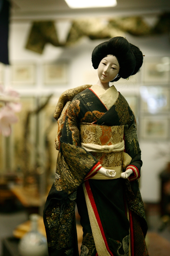 McMullen's Japanese Art & Antiques | Daniel Huber