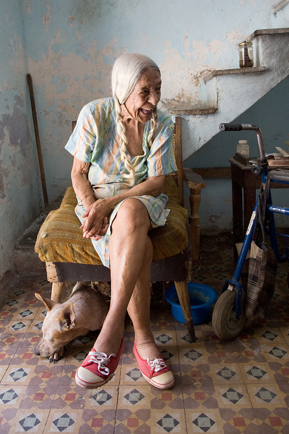 Angelina (92 year old living alone) Havana, Cuba | Photo: Courtesy of Sky Bergman.
