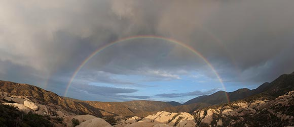 Rainbow over Devil's Punchbowl Natural Area. | Photo: Jonathan Numer