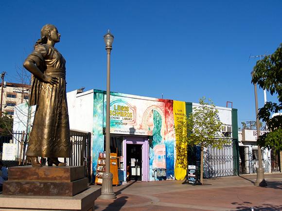 Libros Schmibros lending library in Mariachi Plaza | Photo: Courtesy of Abe Flores.