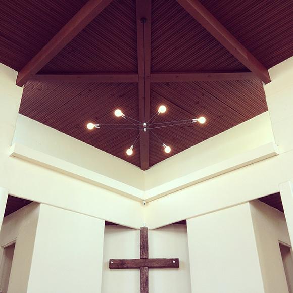 A Brendan Ravenhill chandelier in the Bethlehem Baptist Church. | Photo: Courtesy of Brendan Ravenhill.