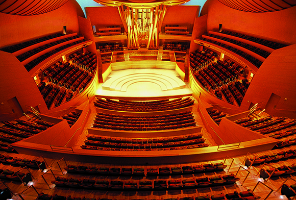 Walt Disney Hall stage and organ | Photo: Federico Zignani