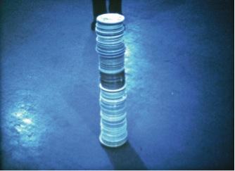 <em>Some Plates</em>, 1972. 16mm film, color, sound. 3:36. Film stills courtesy of OCMA, Galerie Daniel Buchholz, and the Estate of Jack Goldstein.