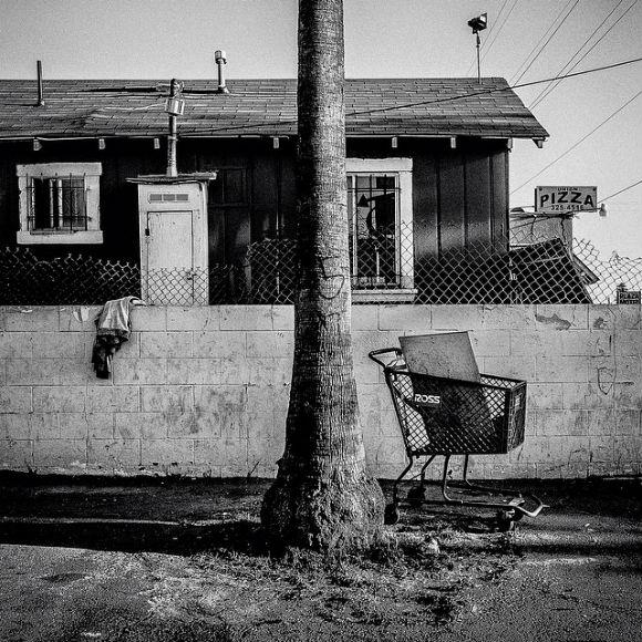 "Shopping cart. Bakersfield, CA. 35°22'23""N 119°1'6""W #geographyofpoverty | Photo: Matt Black"