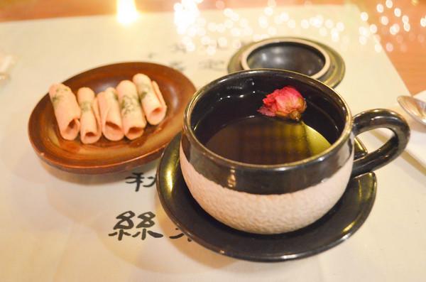 Love tea at Hwa Sun Ji | Photo by Clarissa Wei