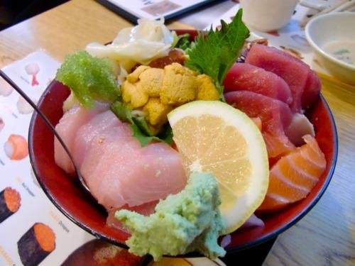 Chirashi at Akasaka | Photo by Kristie Hang