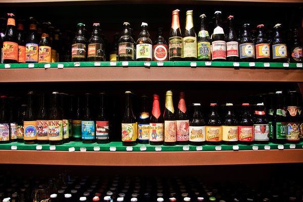 beer-store-wall-041613