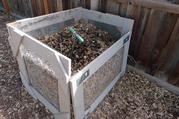 compostpile1-600