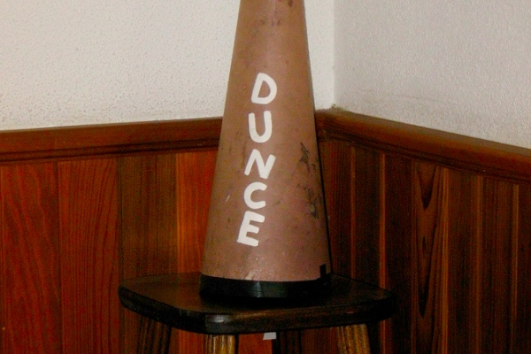 dunce1-600
