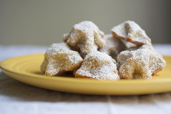 Chewy Lemon-Almond Macaroons | Photo by Maria Zizka