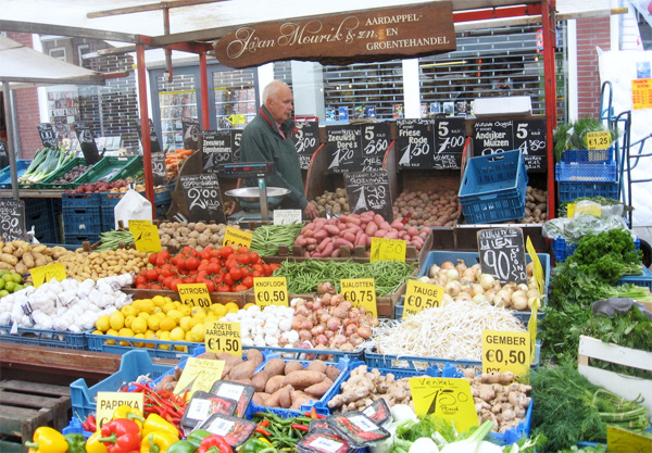 "A market in Amsterdam | Photo by <a href=""http://www.flickr.com/photos/aiace/"">Franco Pecchio</a>/Flickr/<a href=""http://creativecommons.org/licenses/by/2.0/"">Creative Commons</a>"