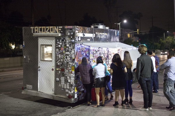 A line builds at Taco Zone in Echo Park. | Photo: Jakob Layman