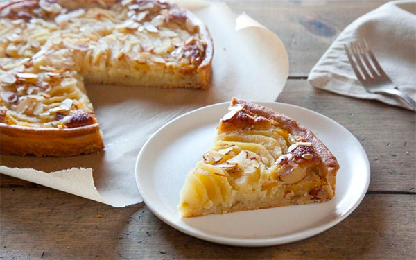 "Organic pear pie   Photo by <a href=""https://www.goodeggs.com/la/thanksgiving"">Good Eggs</a>"