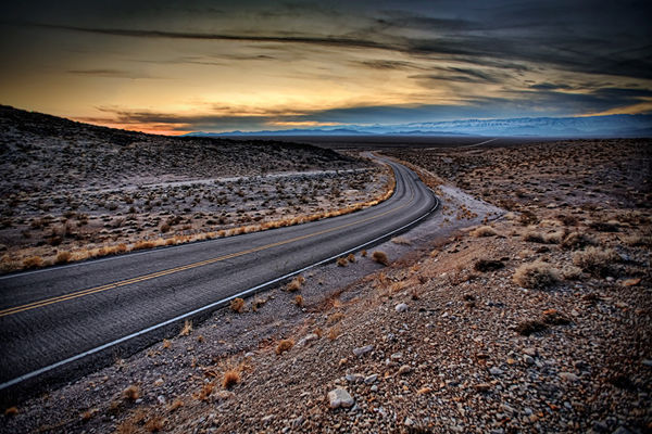 desert-road-arizona-032913