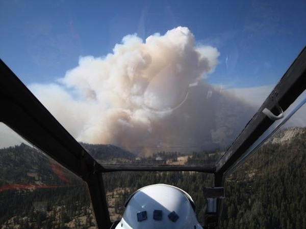 Pilot's view of the Aspen Fire from a U.S. Forest Service helicopter. | Photo: Courtesy Inciweb