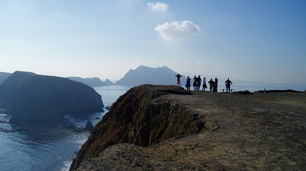 A group looks out over Inspiration Point on Anacapa Island.