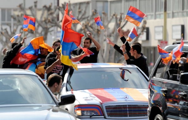 Armenian activists rally outside the Turkish Consulate General on the 94th anniversary commemoration of the Armenian Genocide on April 24, 2009 in Los Angeles| Photo by Kevork Djansezian/Getty Images