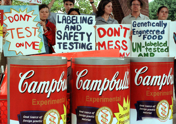 Demonstrators outside a Safeway supermarket in Washington in 2000 demanded genetically engineered ingredients be taken off American grocery store shelves until they are fully tested and labeled. (Photo: Alex Wong/Newsmakers)