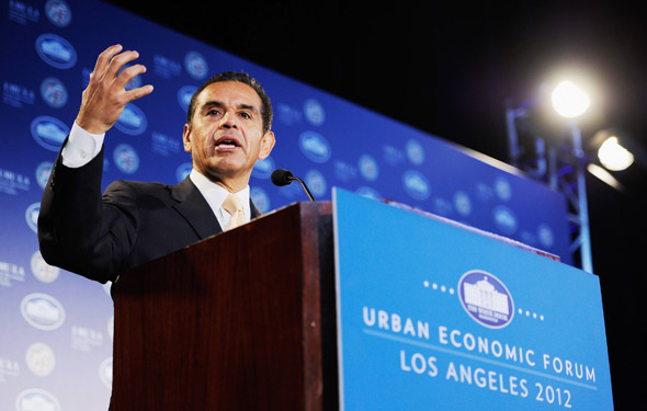 L.A. Mayor Antonio Villaraigosa speaks at an economic forum in March. (Photo: Kevork Djansezian/Getty Images)
