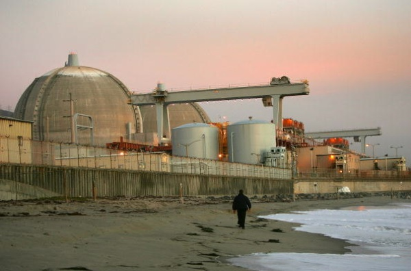 Evening sets on the San Onofre atomic power plant in northern San Diego County, south of San Clemente, California. | Photo by David McNew/Getty Images