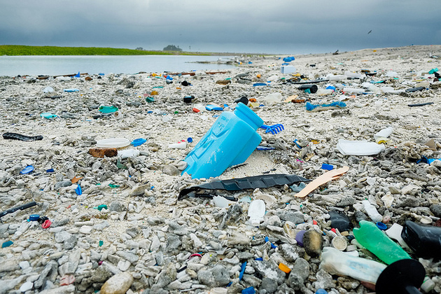6 Reasons That Floating Ocean Plastic Cleanup Gizmo is a Horrible Idea | KCET