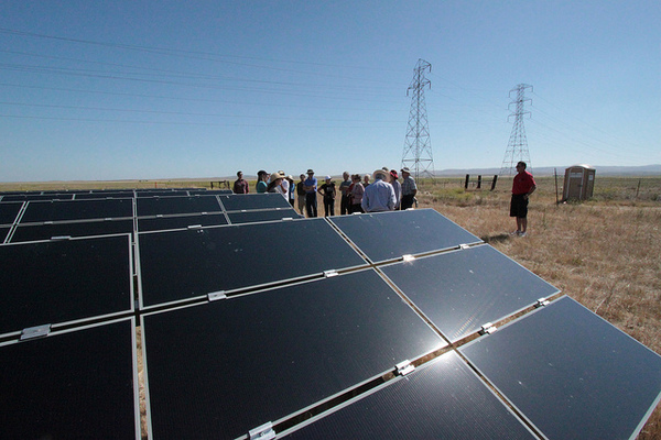 First-Solar-Topaz-PV-Array-7-18-12-thumb-600x400-32585