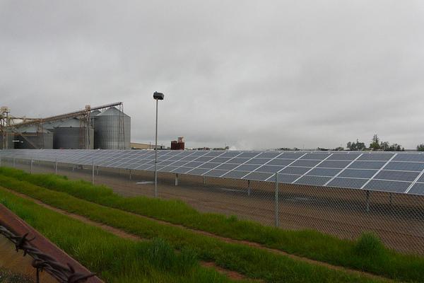 california-solar-farm-7-11-12-thumb-600x400-32186