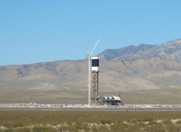 Ivanpah-solar-power-tower-8-8-12-thumb-600x436-33905