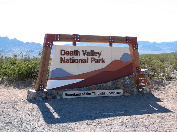 death-valley-welcome-sign-9-18-12-thumb-600x450-36374