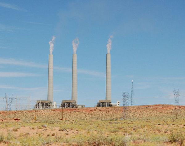 755px-Navajo_generating_station-thumb-600x476-46027