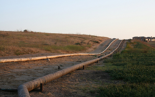 oil-pipeline-4-5-13-thumb-600x375-48525