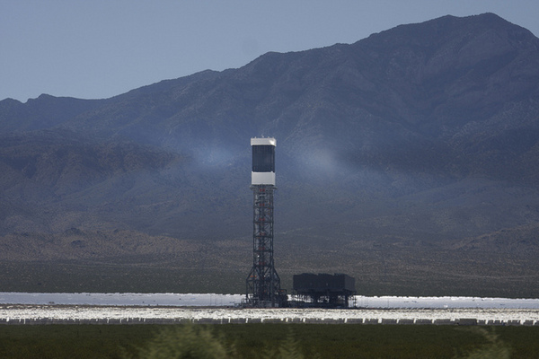 ivanpah-solar-goes-online-or-not-1-30-14-thumb-600x400-67859