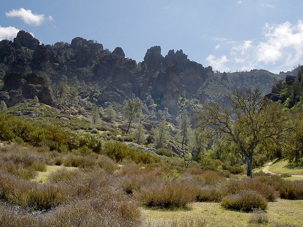 pinnacles-national-monument-national-park-bill
