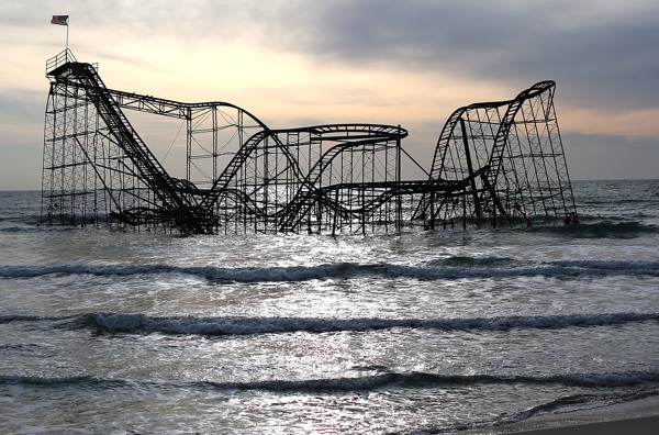 The Star Jet roller coaster remains in the water after the Casion Pier it sat on collapsed from the forces of Superstorm Sandy, February 19, 2013 in Seaside Heights, New Jersey. | Photo: Mark Wilson/Getty Images