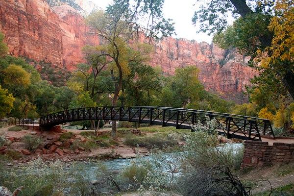 zion-national-park-virgin-river-bridge