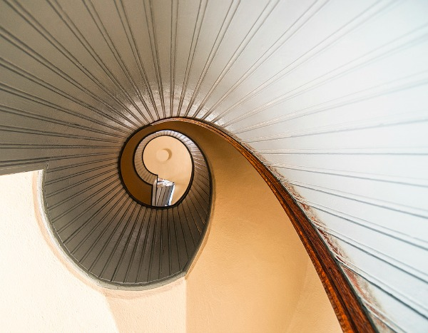 point-loma-lighthouse-staircase