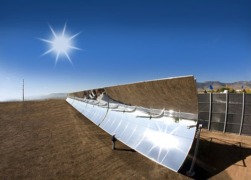 Elevated photo of SkyFuels parabolic trough system, which uses a lightweight film as its reflector material. (SkyFuel, Inc.)