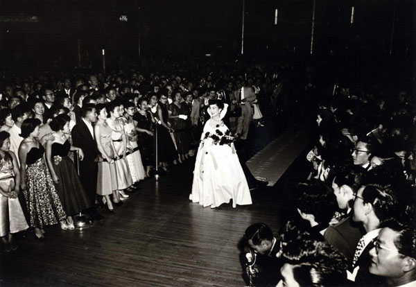 Judy Sugita, 1953 Nisei Week Queen, is pictured here entering the Coronation Ball at the Palladium in Hollywood | Photo courtesy of Judy Sugita
