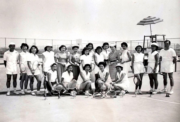 Nisei Week Queen candidates and volunteers campaign at a tennis club, circa 1953 | Photo courtesy of Judy Sugita