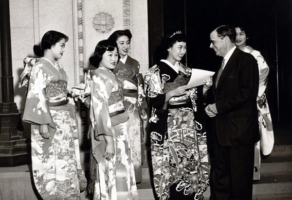 Judy Sugita with her court in 1954 greeting a local dignitary in full kimono | Courtesy of Judy Sugita